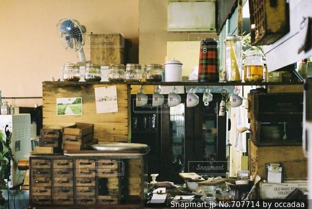 雑然としたキッチンの写真・画像素材[707714]