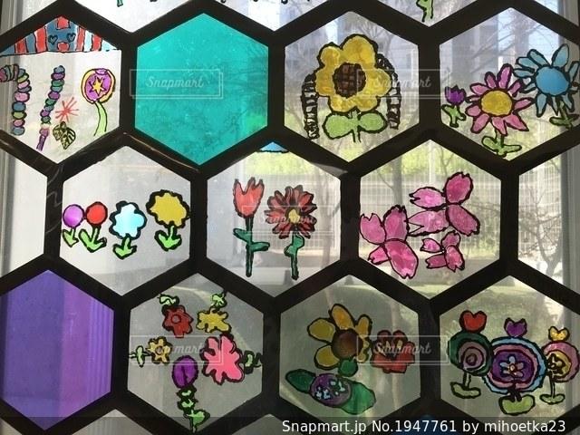 花のステンドグラスの写真・画像素材[1947761]