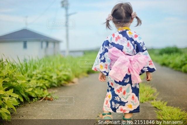 子どもの写真・画像素材[2151846]
