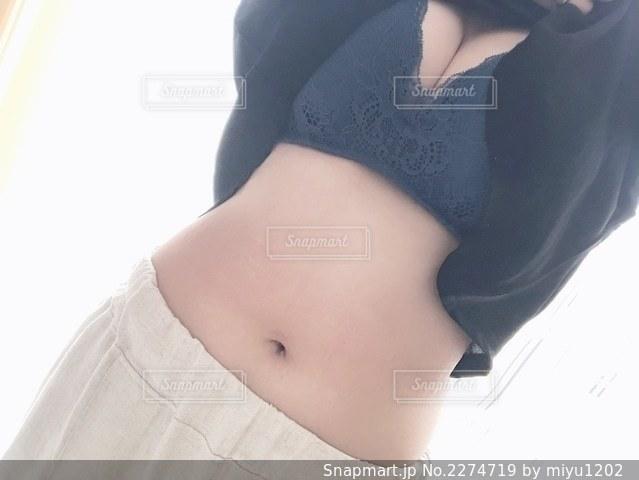 女性のお腹の写真・画像素材[2274719]