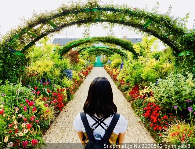ガーデンの写真・画像素材[2130542]