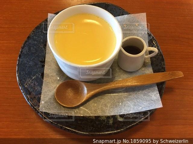 あつた蓬莱軒の美味しいプリンの写真・画像素材[1859095]