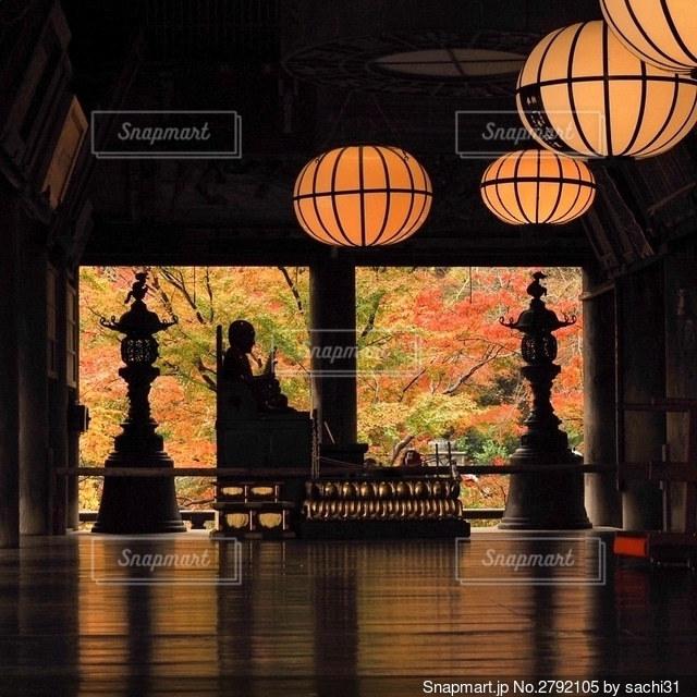 秋のひとり旅にての写真・画像素材[2792105]