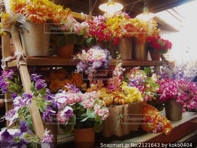 たくさんのお花の写真・画像素材[2121643]