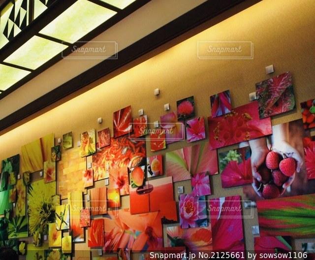 店の人々のグループの写真・画像素材[2125661]