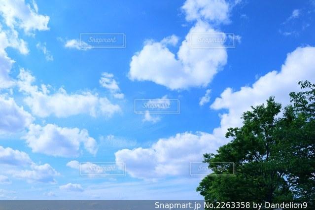 ハートの雲の写真・画像素材[2263358]