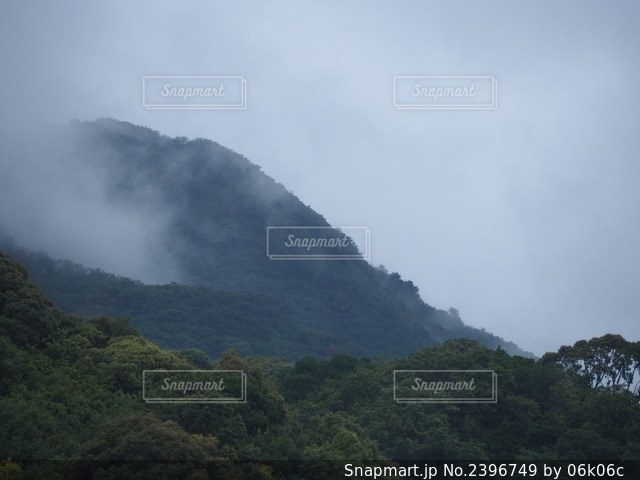 山の写真・画像素材[2396749]