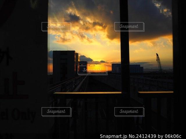 車窓の写真・画像素材[2412439]