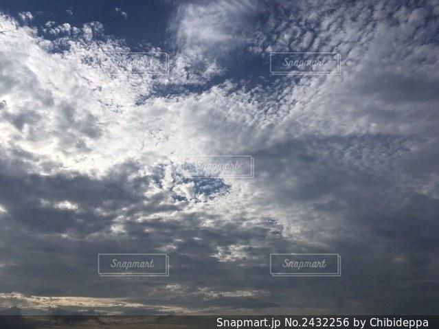 空の雲の写真・画像素材[2432256]