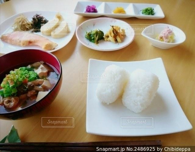 朝ご飯の写真・画像素材[2486925]