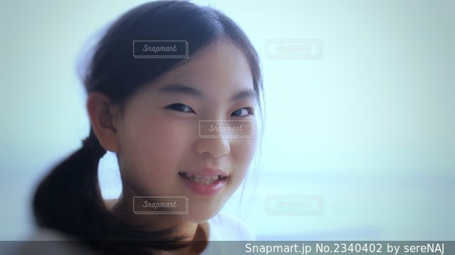 美肌の女の子の写真・画像素材[2340402]