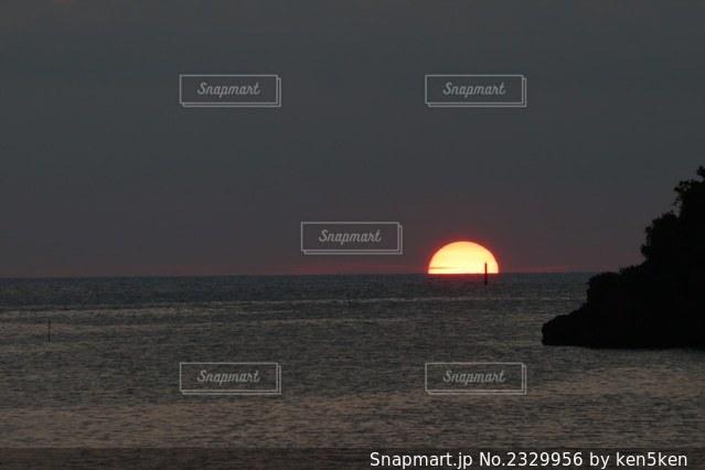 沈む夕日の写真・画像素材[2329956]