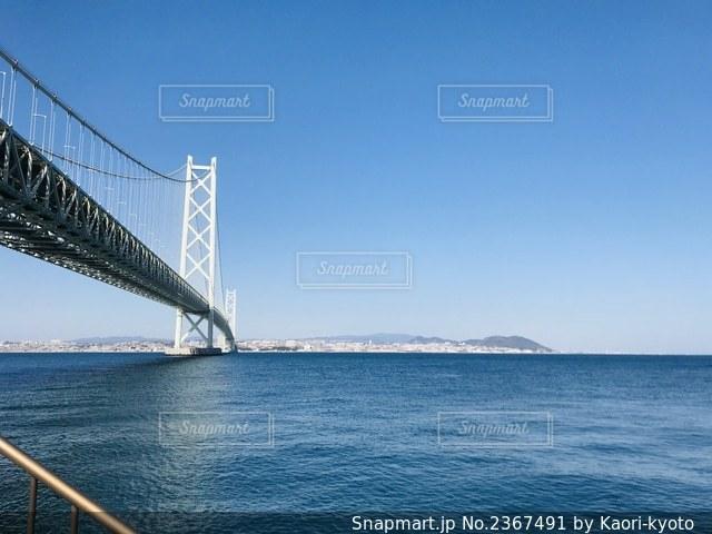 水域に架かる橋の写真・画像素材[2367491]
