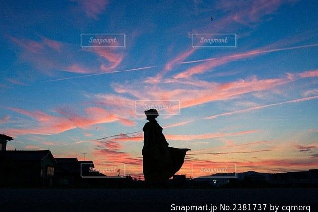 夕焼けに染まるの写真・画像素材[2381737]