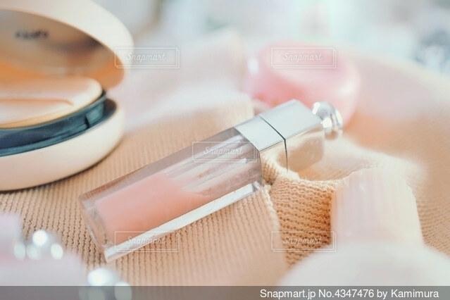 桜色ののメイクグッズの写真・画像素材[4347476]