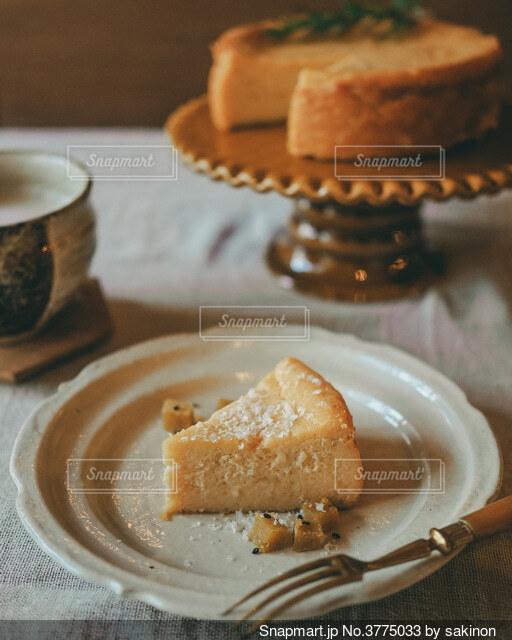 秋のスイーツ テーブルコーデの写真・画像素材[3775033]