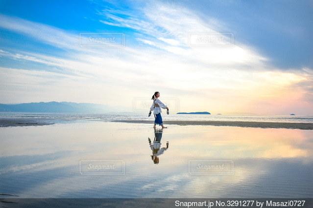 グラデーションが綺麗な海辺写真。の写真・画像素材[3291277]