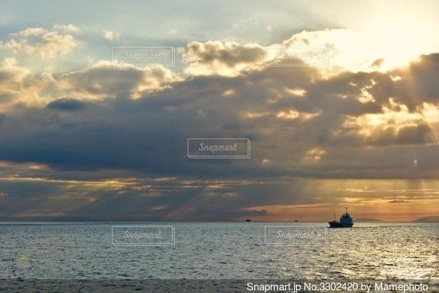 明石海峡の夕暮れの写真・画像素材[3302420]