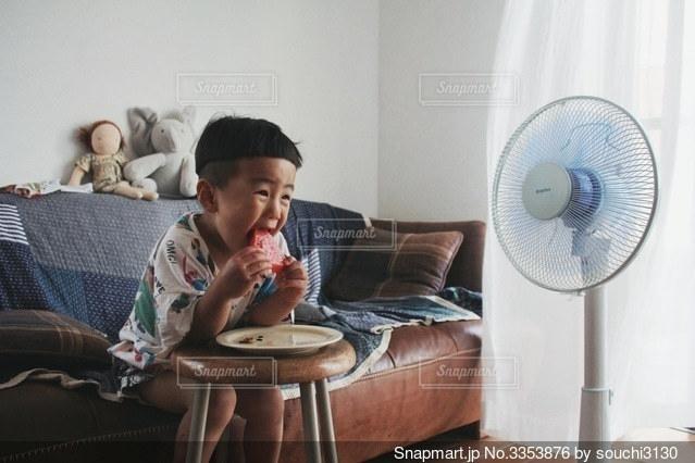 息子の夏休みの写真・画像素材[3353876]