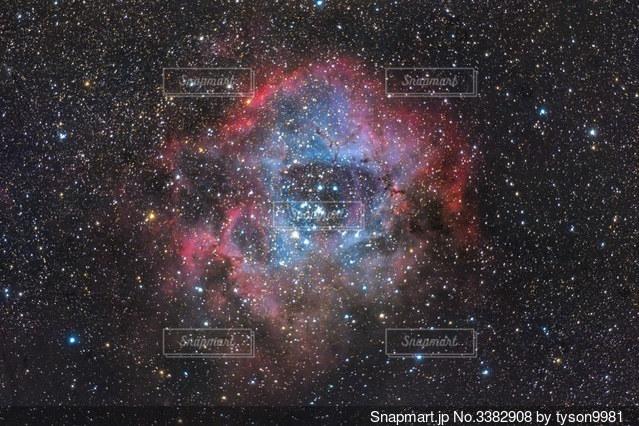 星に満ちた空の写真・画像素材[3382908]