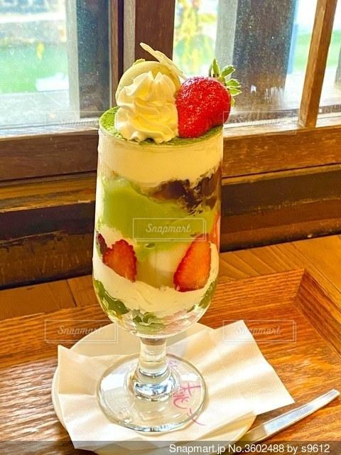 倉敷のフルーツパフェ人気店、くらしき桃子でのカフェタイムの写真・画像素材[3602488]