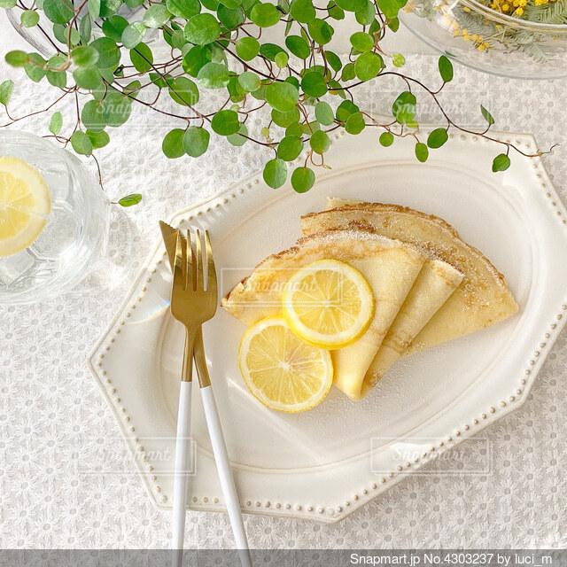 レモンシュガークレープの写真・画像素材[4303237]