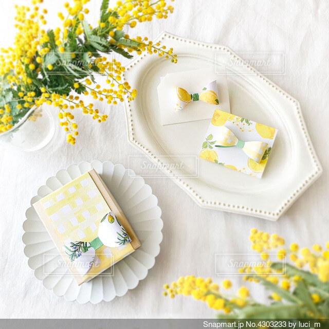 檸檬色ギフトの写真・画像素材[4303233]