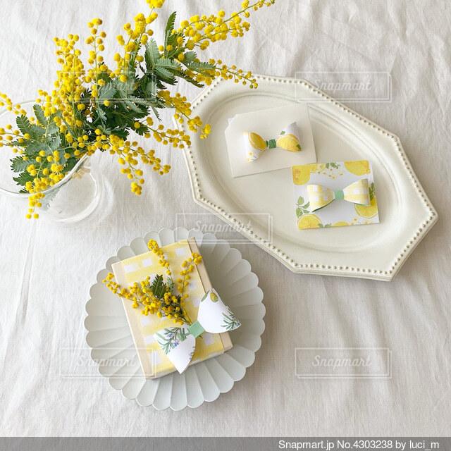 檸檬色ギフトの写真・画像素材[4303238]