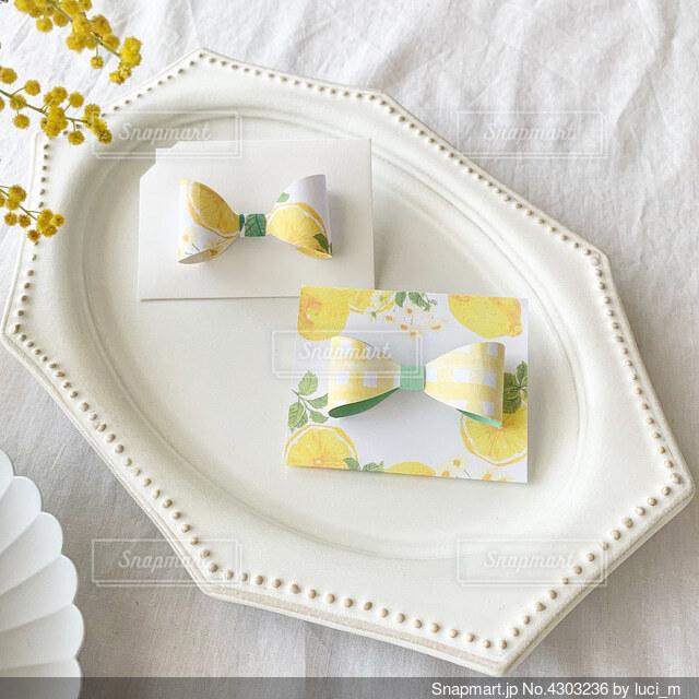 檸檬色カードの写真・画像素材[4303236]