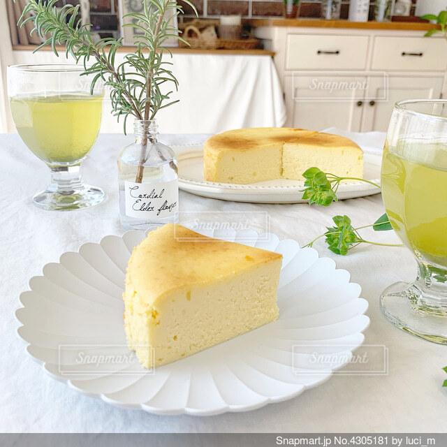 チーズケーキ焼けましたの写真・画像素材[4305181]