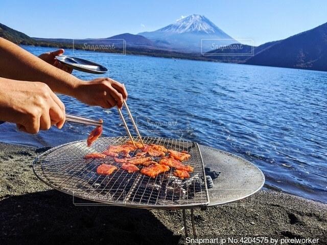 富士山と焼き肉の写真・画像素材[4204575]