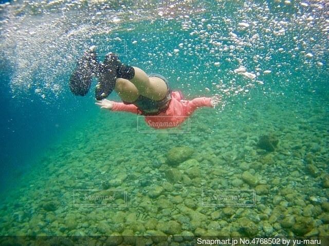 透明な海の写真・画像素材[4768502]