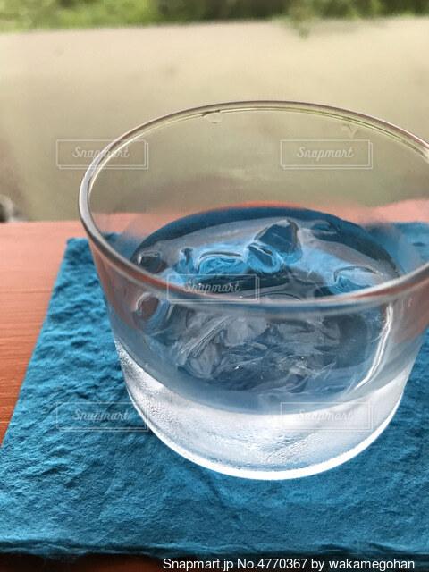 氷と水の写真・画像素材[4770367]