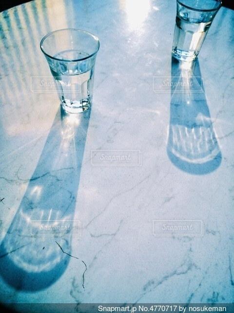 煌めくグラスの写真・画像素材[4770717]
