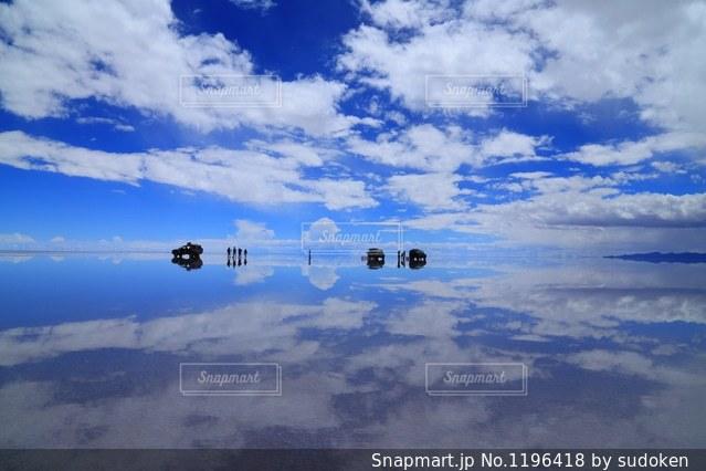 ウユニ塩湖の写真・画像素材[1196418]