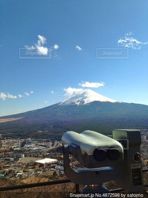 望遠鏡と富士山の写真・画像素材[4872598]