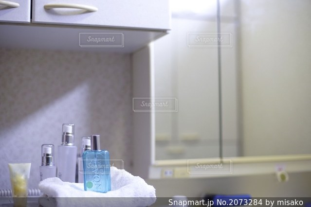 バスルームの写真・画像素材[2073284]