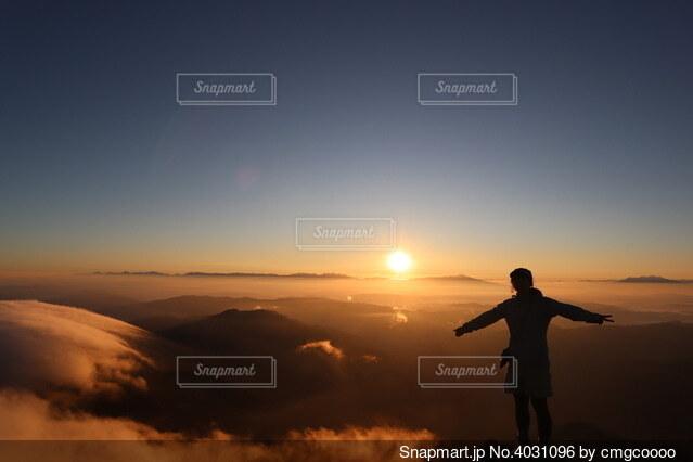 白山山頂からのお日の出の写真・画像素材[4031096]