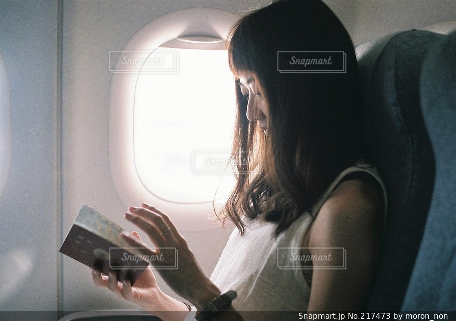 女性の写真・画像素材[217473]