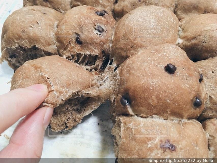 手作りちぎりパンの写真・画像素材[352232]