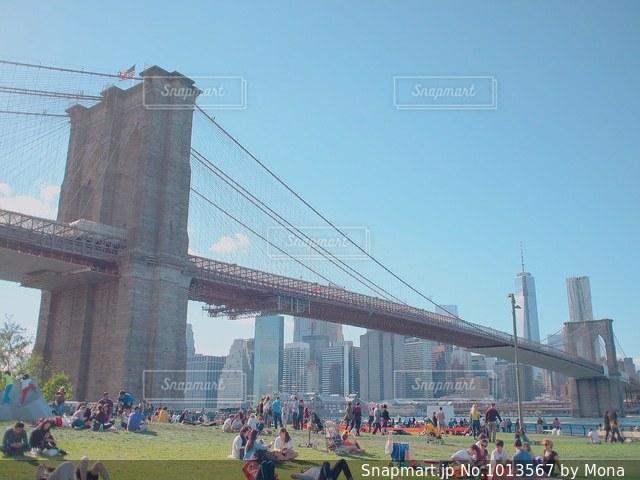 昼のブルックリンブリッジの写真・画像素材[1013567]