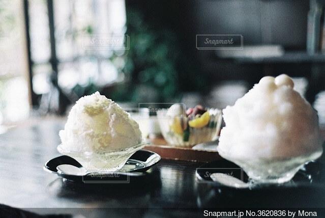 古民家カフェでかき氷の写真・画像素材[3620836]