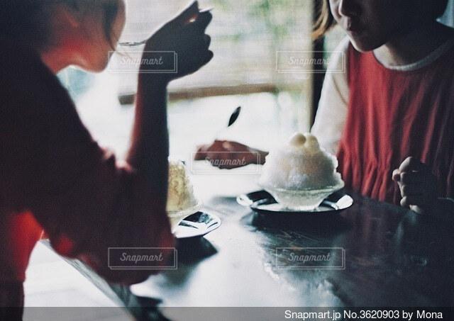 古民家カフェでかき氷の写真・画像素材[3620903]