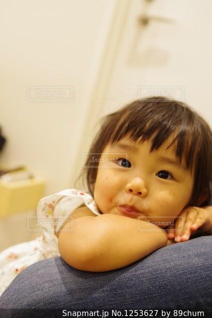 赤ちゃんの手の写真・画像素材[1253627]