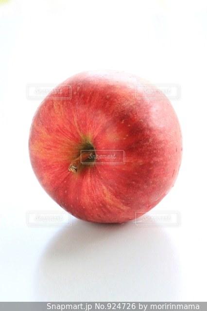 赤いリンゴの写真・画像素材[924726]