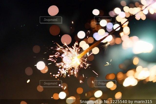 手持ち花火の写真・画像素材[1225540]