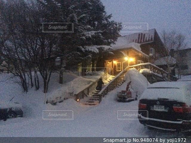 雪に覆われた車 - No.948074