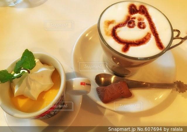 カフェの写真・画像素材[607694]