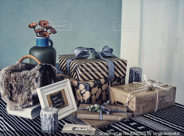たくさんの愛と贈り物をの写真・画像素材[4392025]