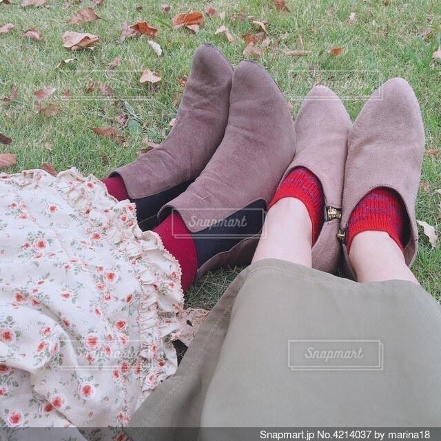 2人のブーツの写真・画像素材[4214037]